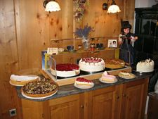 Cafestube mit hausgemachten Kuchen